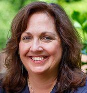Valerie Fraser Luesse