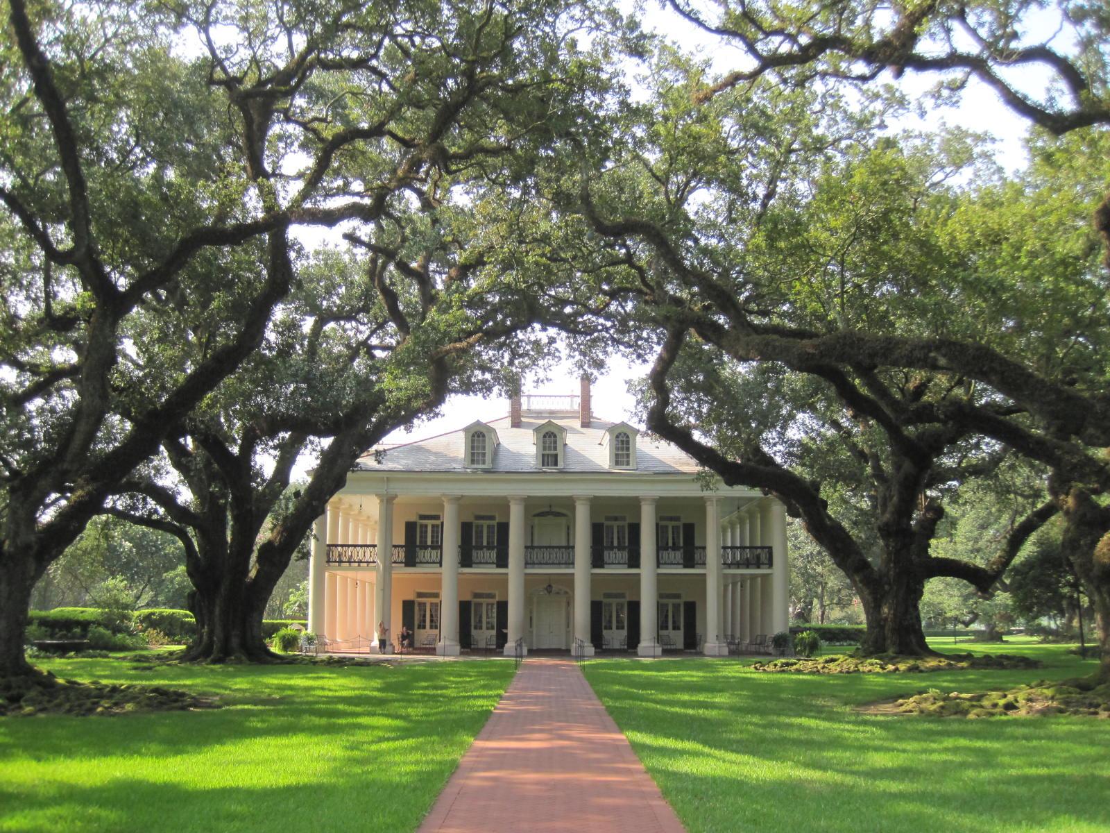creole mansion