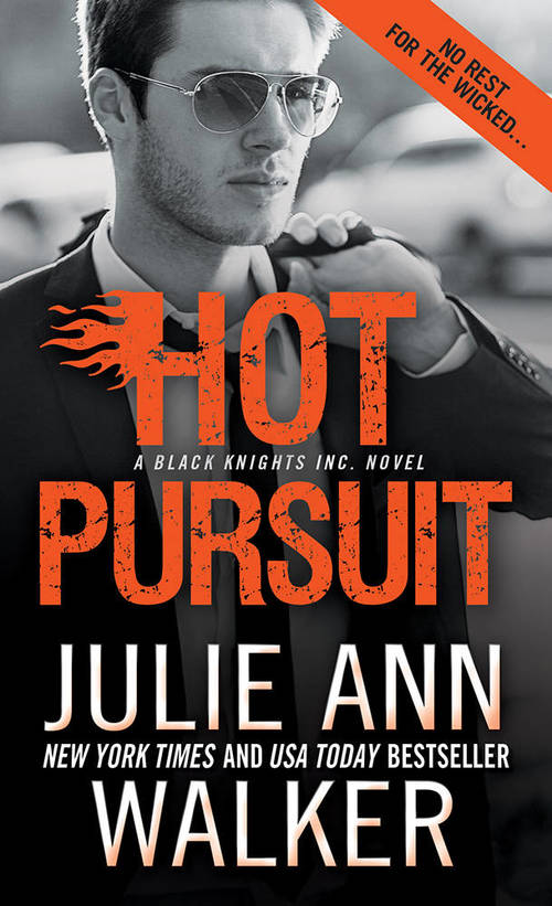 Hot Pursuit by Julie Ann Walker